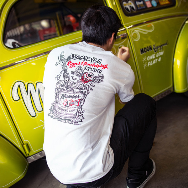 MOONEYES Sings & Pinstriping Studio T - Shirt [ TM324WH ]