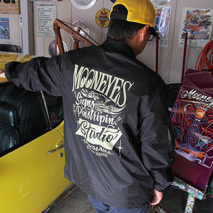 MOONEYES Signs & Pinstriping Studio Windbreaker [ WM061BK ]